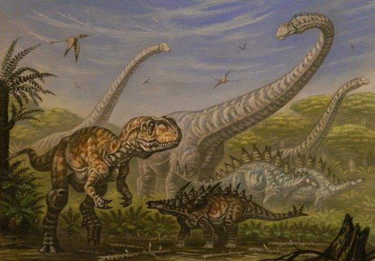 Přibližné složení dinosauří megafauny v ekosystémech, ve kterých žil také rod Mongolarachne. Vyskytovali se zde velcí sauropodi (Mamenchisaurus), teropodi (Yangchuanosaurus) i stegosauridi(Gigantspinosaurus, Tuojiangosaurus). Kredit: ABelov2014, Wiki