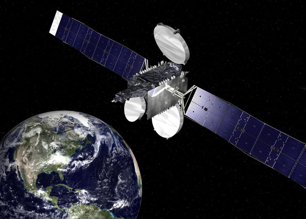 Typickou dominantou komunikaÄŤnĂch sond jsou panely sluneÄŤnĂch bateriĂ. Satelit Intelstat 23 (zdroj Orbital Sciences).