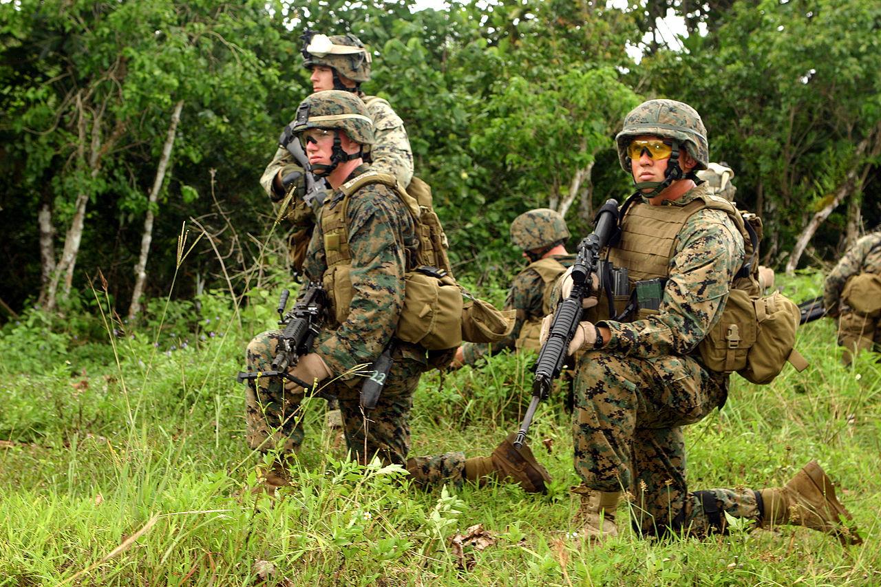 US Marine Corps nejsou žádné poseroutky. COVID 19 se mezi nimi šíří převážně bezpříznakově.