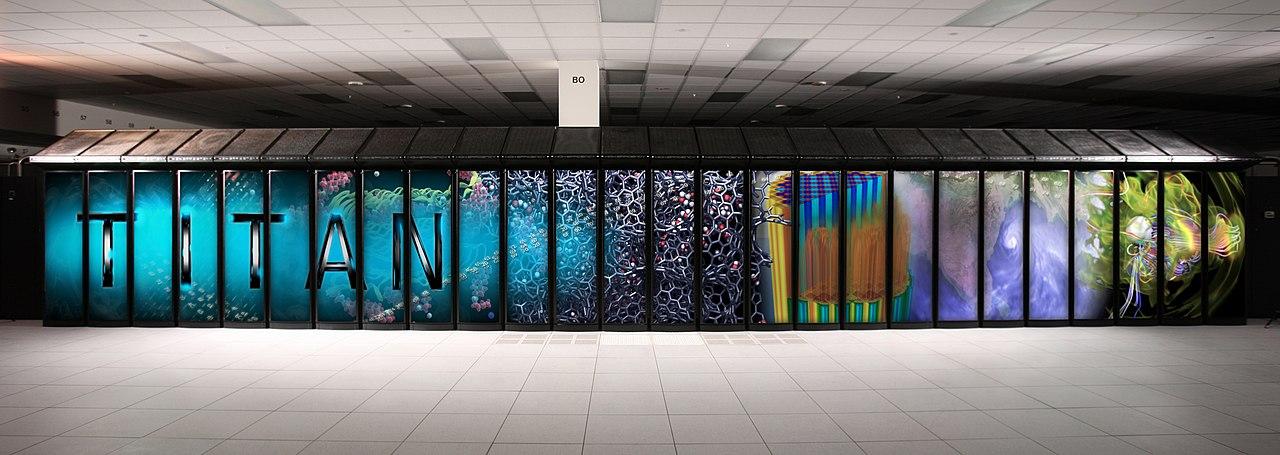 Titan. Špičkové superpočítače dnes nejsou příliš mobilní. Kredit: Oak Ridge National Laboratory.