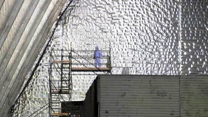 Práce uvnitř nového sarkofágu (zdroj EBRD).