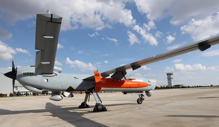 Dron Anka sdronem Simsek voranžové barvě. Kredit: Azeridefence / Defence Turk.