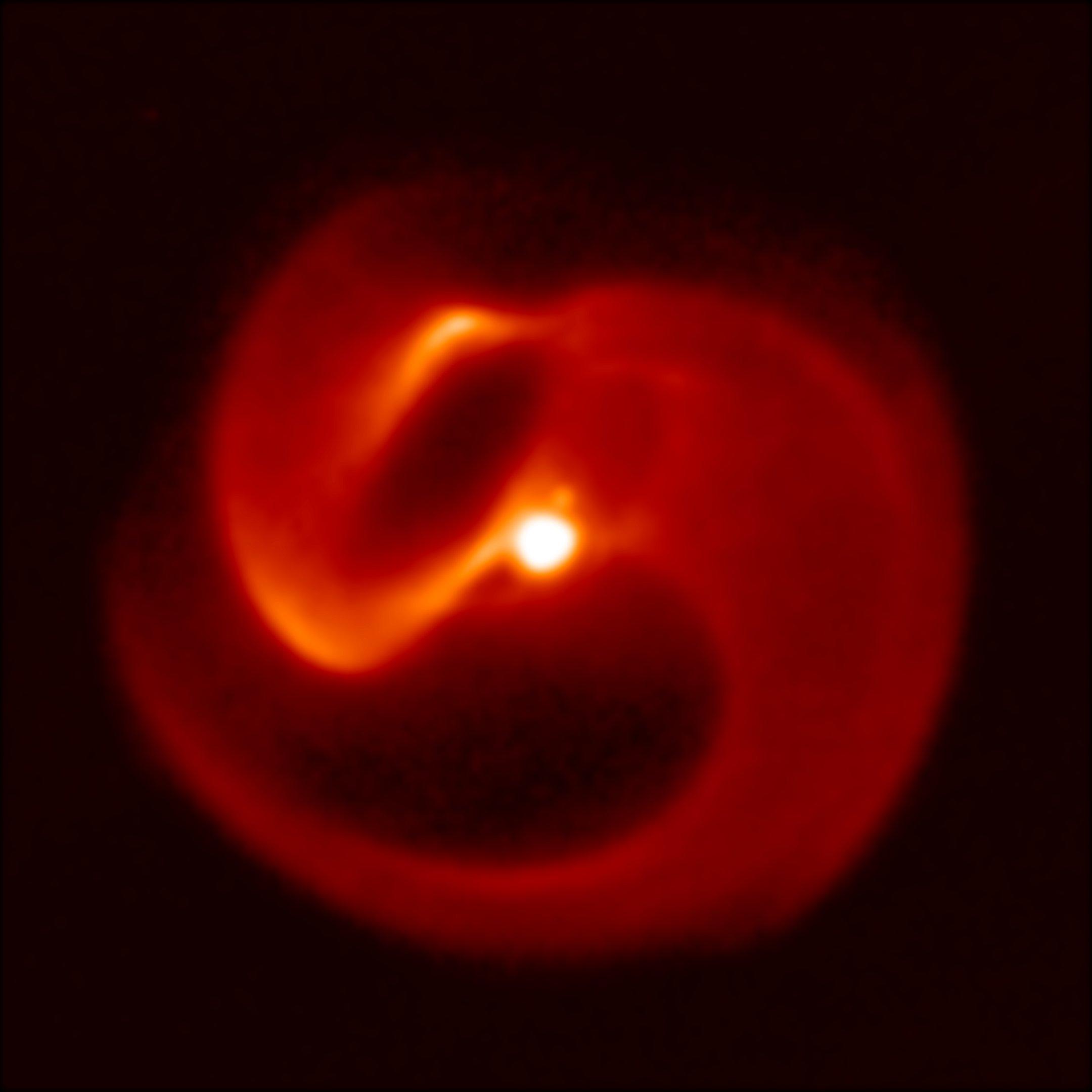 Systém Apop na snímku zařízení VISIR soustavy teleskopů VLT. Kredit: Peter Tuthill/University of Sydney/ESO.