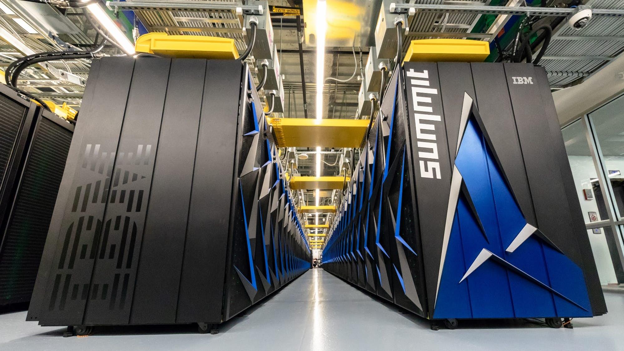 Nejvýkonnějším superpočítačem je Summit. Kredit: ORNL.