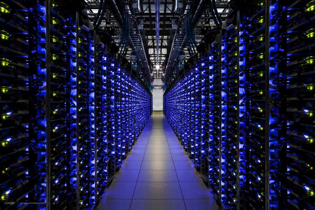 Došlo krozsáhlému hardwarovém hacku serverů? Kredit: Google.