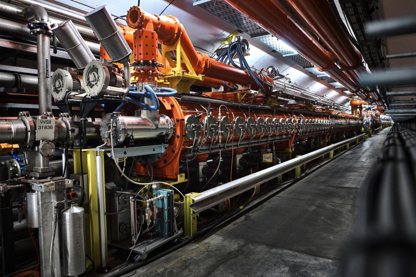 Urychlovač SPS patří mezi největší urychlovače na světě (zdroj CERN).