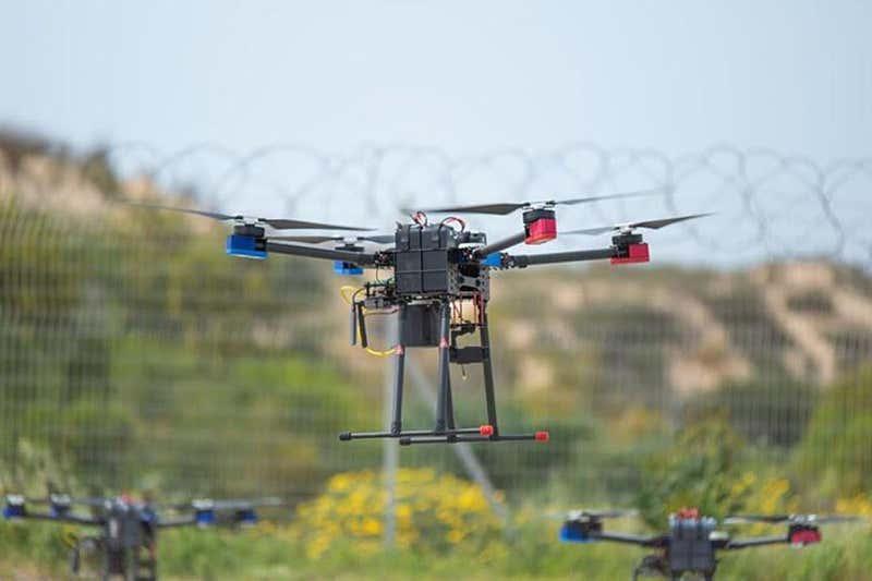 Hejno dronů ve službách IDF. Kredit: IDF.
