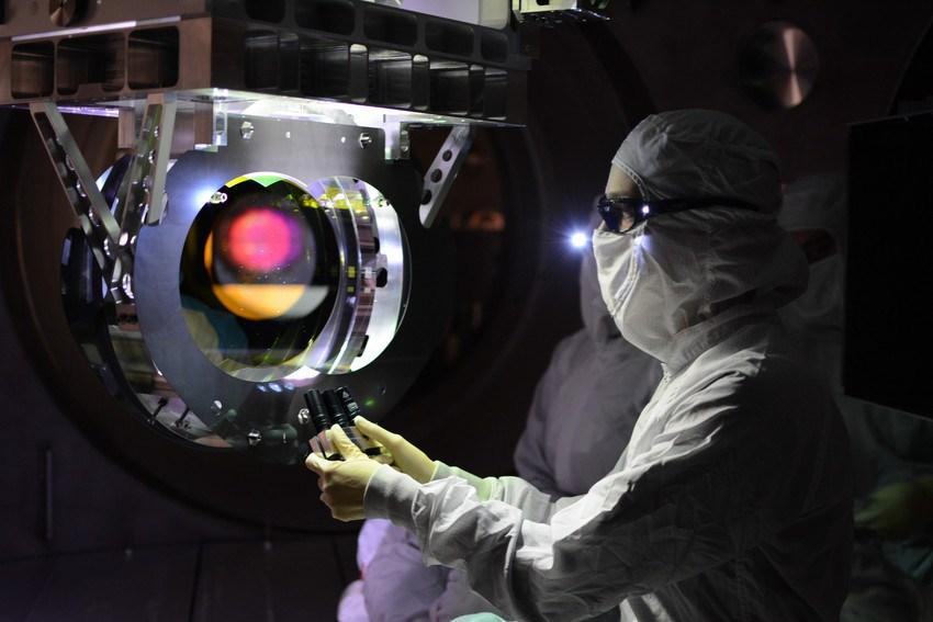 Experiment LIGO publikoval už čtyři detekce gravitačních vln ze splynutí černých děr (zdroj LIGO).