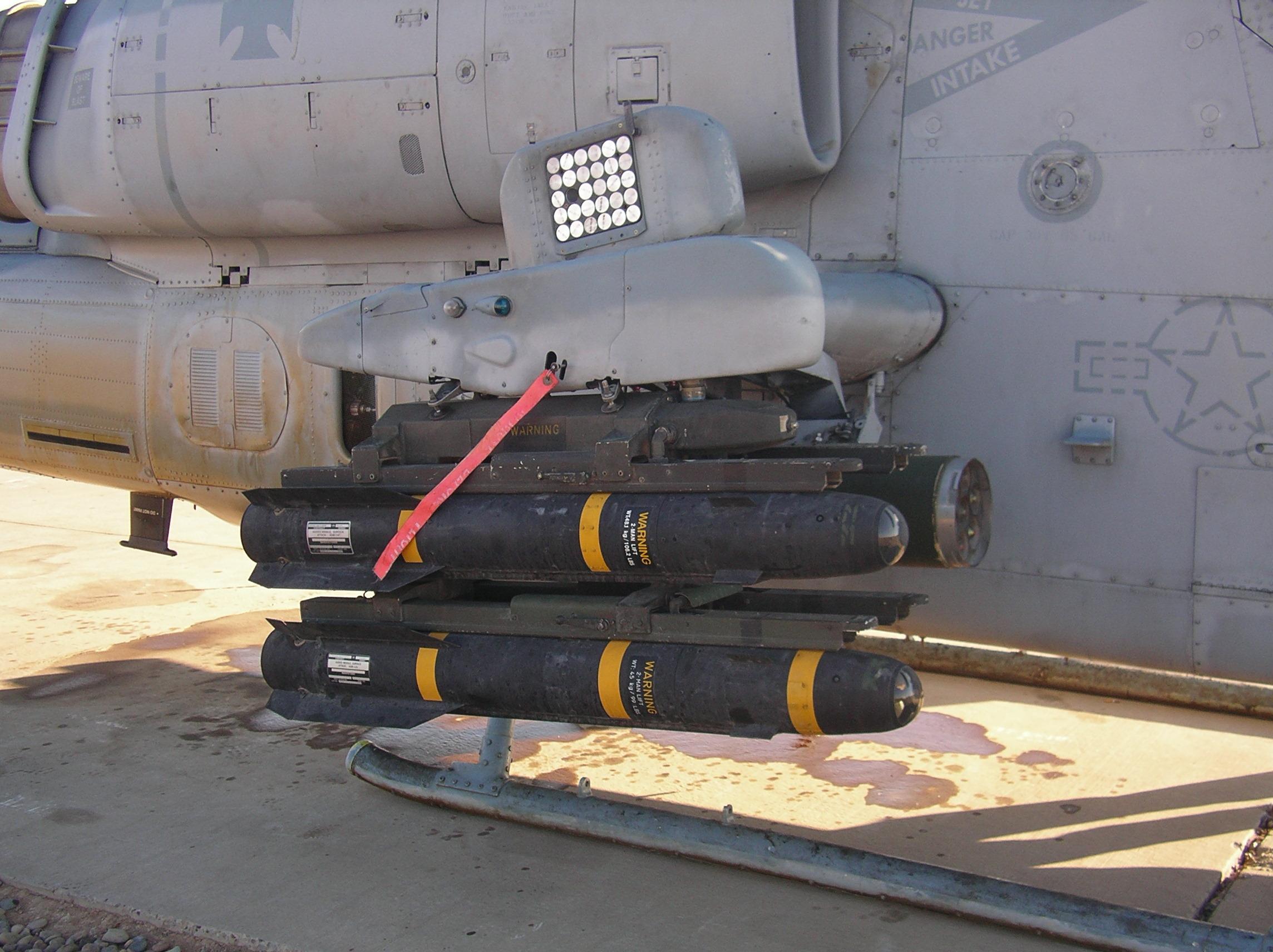 AGM-114 – Hellfire jeden výstřel - sto tisíc dolarů.