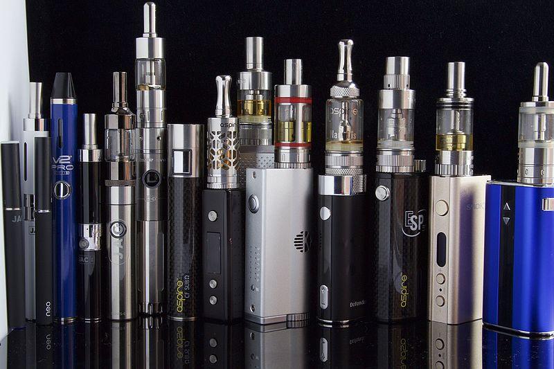 PĹ™ehlĂdka e-cigaret. Kredit: Ecig Click / Wikimedia Commons.