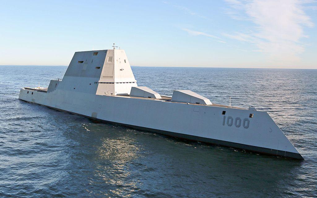 Raketový torpédoborec Zumwalt. Kredit: U. S. Navy.