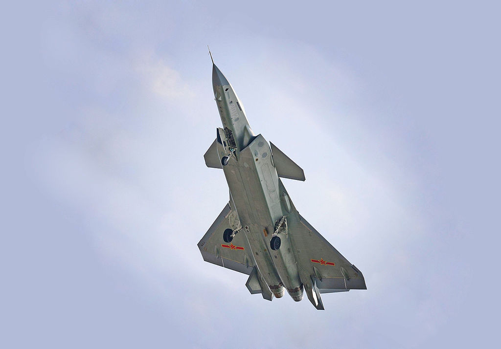 J-20 zespoda. Kredit: V587wiki / Wikimedia Commons.