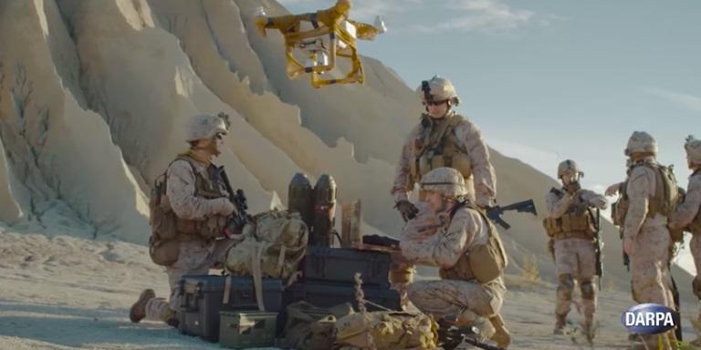 DARPA chce hejn dronů vybavit i pěšáky. Kredit: DARPA.