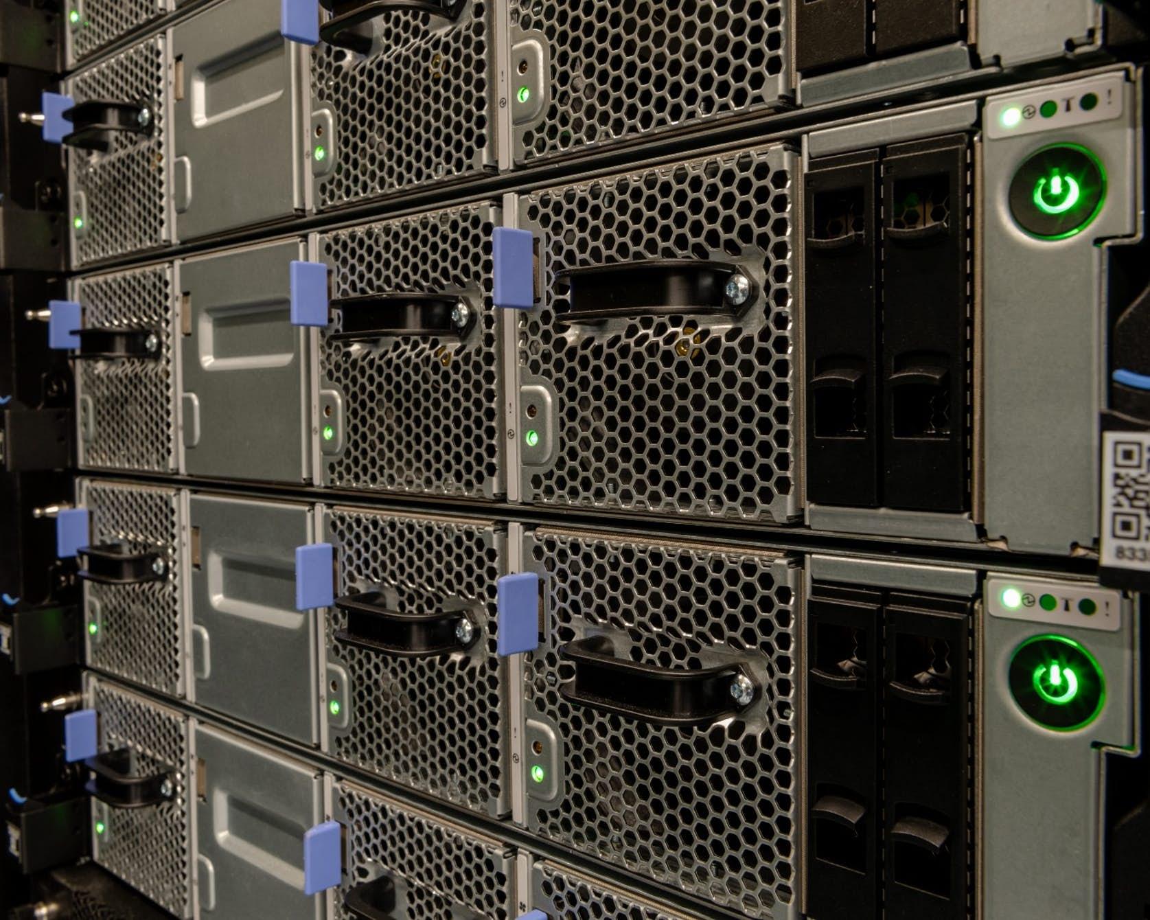 Summit tvoří 4608 serverů: Kredit: ORNL.