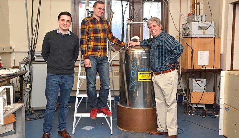 Vlevo Jared Rovny, vpravo Sean Barrett. Kredit: Yale University.