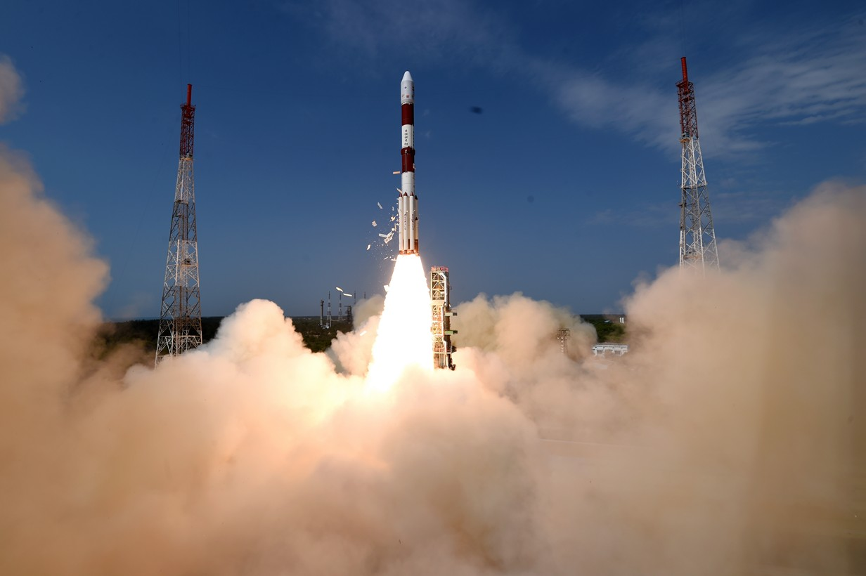 Start letu PSLV-C38. Kredit: ISRO.