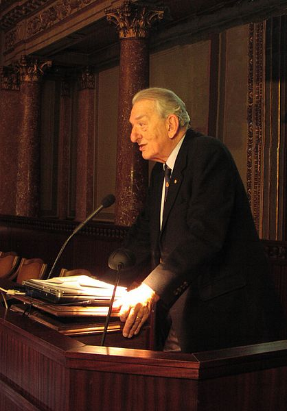 George Olah (2009). Kredit: Bitman / Wikimedia Commons.