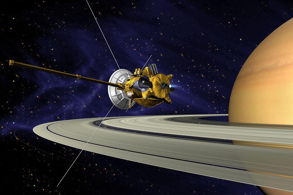 Cassini u Saturnu. Kredit: NASA / JPL.