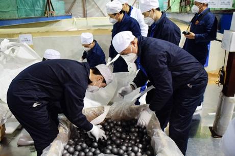 Příprava paliva pro čínský malý modulární reaktor HTR-PM (zdroj CNI23).