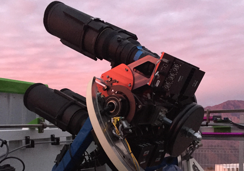 Cassius, robot sítě ASAS-SN na Cerro Tololo vChile. Kredit: Carnegie Institution for Science.