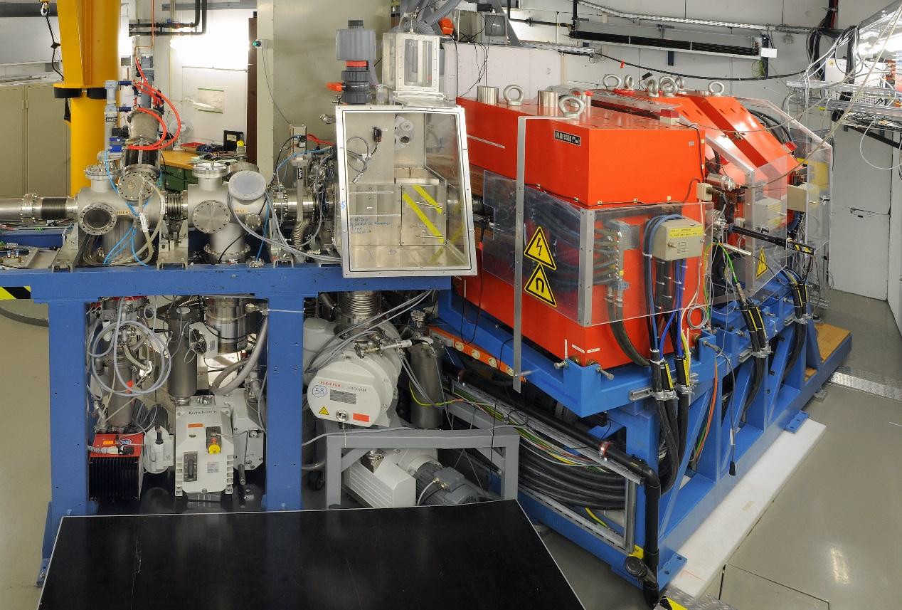 Experimentální zařízení TASCA v GSI Darmstadt je zaměřeno na studium chemie supertěžkých prvků (zdroj GSI Darmstadt).