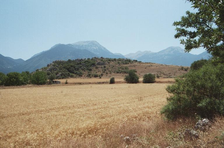 Arkádie, Stymfalos, dříve jezero, kde Héraklés bojoval s kovovými ptáky. (Hermův kraj). Kredit: Z. Kratochvíl.