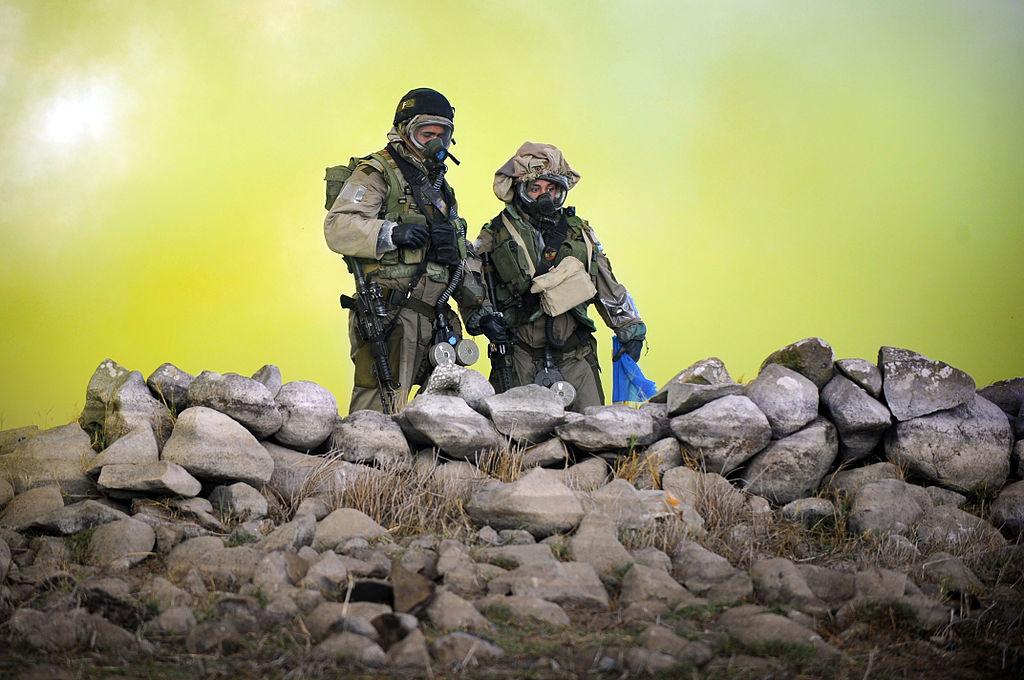 Izraelští specialisté během cvičení. Zasažení civilisté na tom bývají o dost hůře. Kredit: Ori Shifrin / IDF.