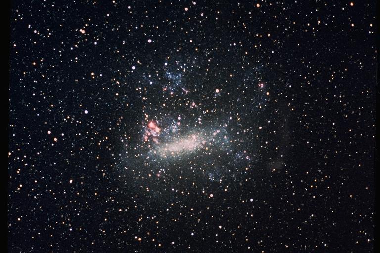 Velké Magellanovo Mračno. Kredit: NASA/Ames Research Center.