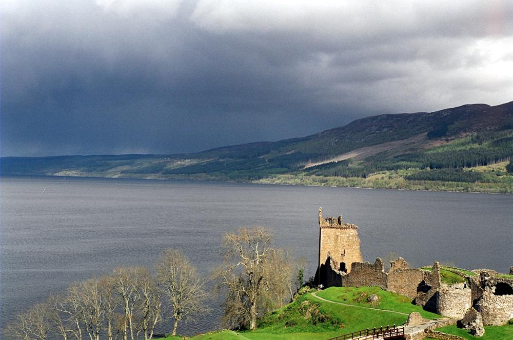 Výzkum na Loch Ness slibuje skvělý výlet. Kredit: Sam Fentress / Wikimedia Commons.