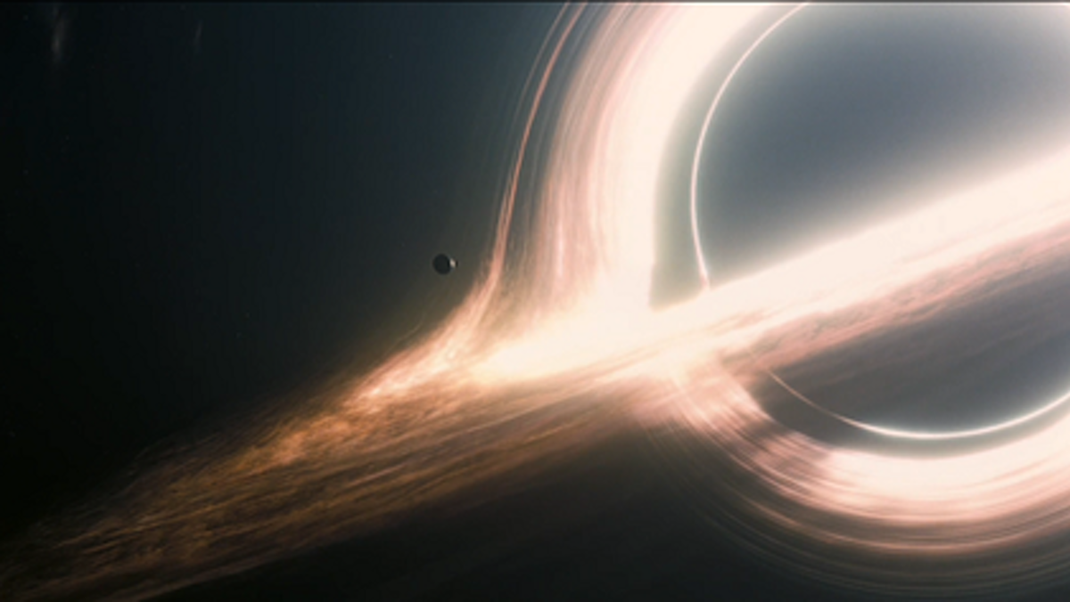 Populární supermasivní černá díra Gargantua. Kredit: Warner Bros. Pictures.
