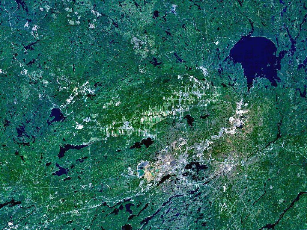 Sudbury pohledem satelitu. Kredit: NASA.