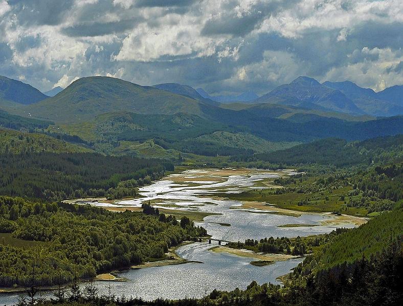 Loch Garry. Kredit: Kenneth Barker / Wikimedia Commons.