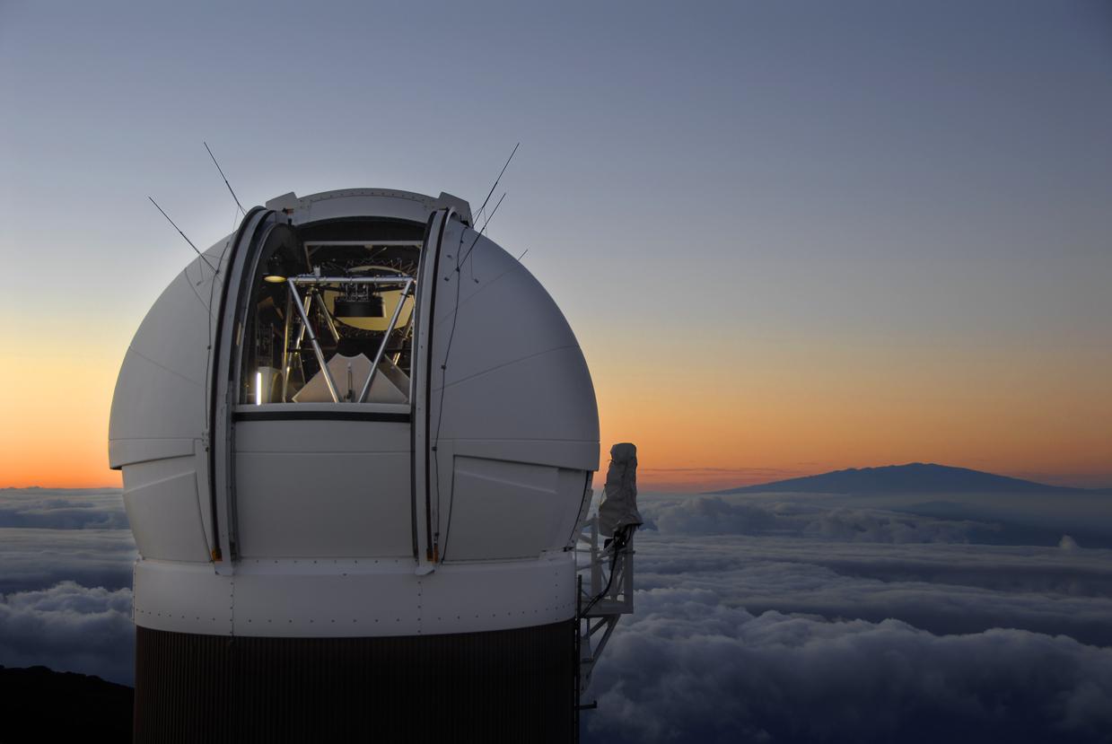 Teleskop Pan‑STARRS. Kredit: Rob Ratkowski / CfA.