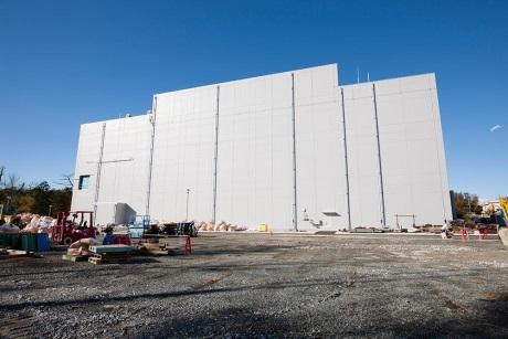 Ke zlepšení celkových podmínek v elektrárně přispěje i spalovna nízkoaktivního odpadu (například ochranných pomůcek pro práci v radioaktivním prostředí, spalitelné konstrukční materiály …), která byla uvedena březnu po teste