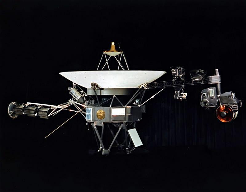 Sonda Voyager. Zdroj: https://upload.wikimedia.org