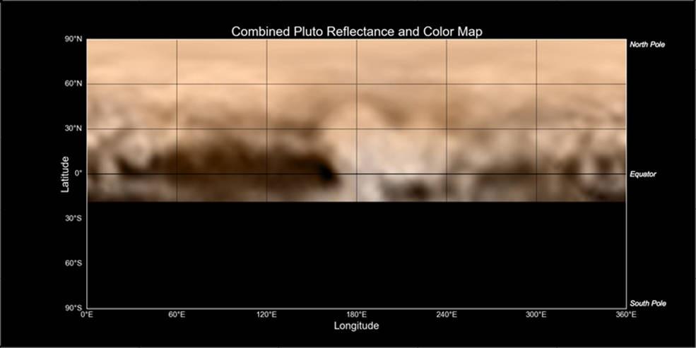 Mapa povrchu Pluta uveřejněná úřadem NASA 7.7., tedy přesně týden před největším  přiblížením. Dává nám možnost porovnat velikosti po obvodu tělesa. Tmavá chybějící část směrem dolů od rovníku jsou místa odvrácené pol