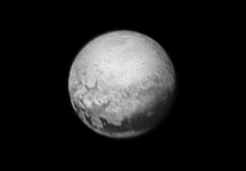 Snímek z 9. července ze vzdálenosti 5,4 mil. km.  Kredit: NASA/JPL/JHUAPL
