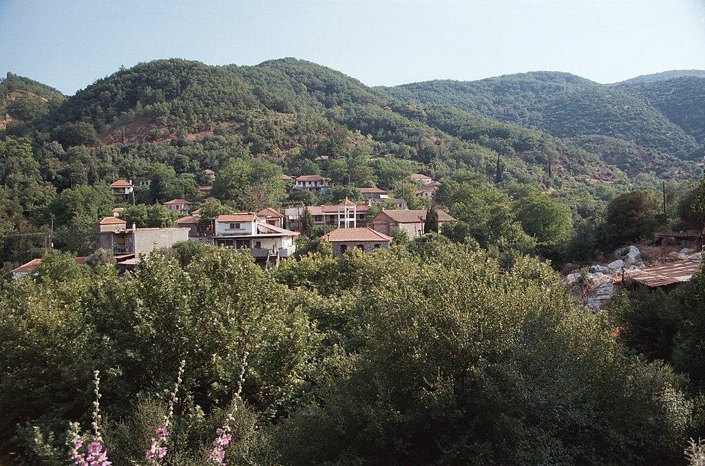 """Novodobá Lykosúra, taky """"s nečetným obyvatelstvem"""". Kredit: Zde, Wikimedia Commons, ."""