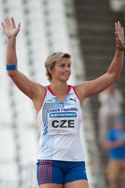 Česká oštěpařka Barbora Špotáková drží světový rekord v hodu oštěpem výkonem 72,28 metru již bezmála deset let. Zde na snímku z roku 2010, tedy dva roky po tomto rekordním zápisu. Kredit: Erik van Leeuwen, Wikipedie (GFDL)