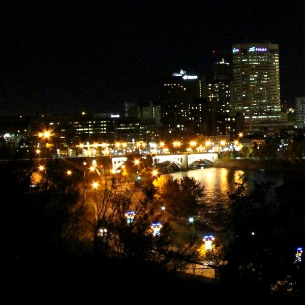 Calgary vnoci. Kredit: davebloggs007 / Flickr.