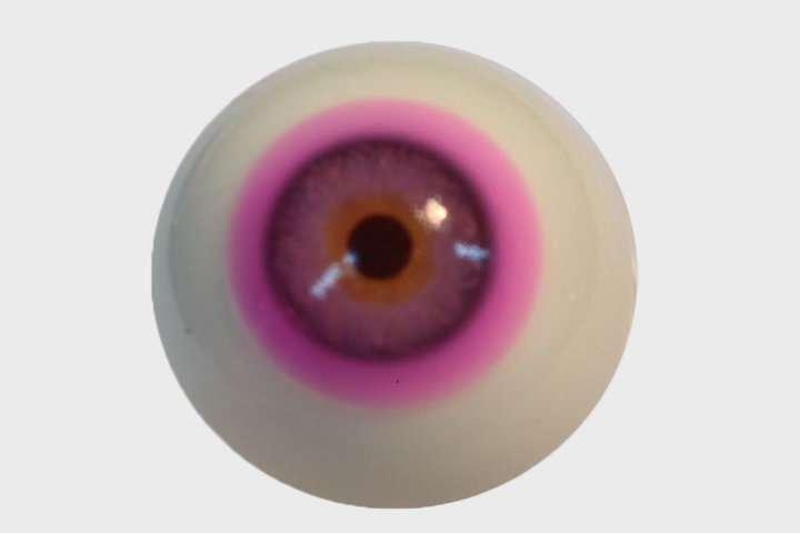 Oční čočky ke korekci nejrozšířenějšího typu barvosleposti. Kredit: University of Birmingham.