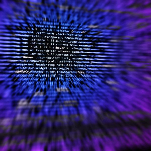 Umělé inteligence se učí programovat. Kredit: CC0 Public Domain.