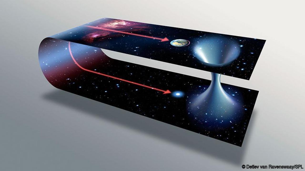 Červí díry by mohly zkrátit cestování z jednoho místa našeho vesmíru na jiné (zdroj Detlev van Ravenswaay/SPL)