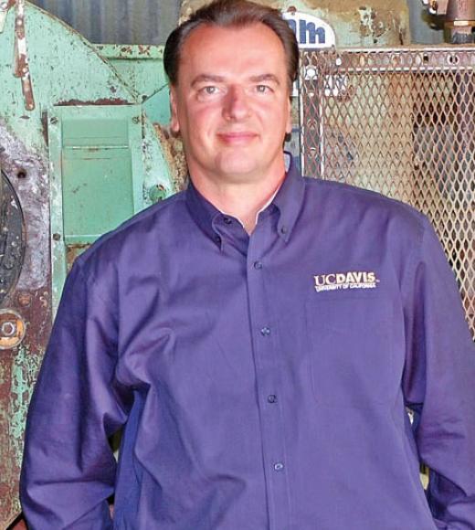 Dr. Frank Mitloehner, profesor na University of California, Davis, odborník na živočišnou výrobu a zemědělství. Kredit: UC Davis.