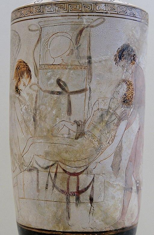 Hypnos a Thanatos (vpravo) odnášejí tělo padlého, 440 před. n. l. British Museum. Kredit: Thanatos Painter (via Marie-Lan Nguyen alias Jastrow), Wikimedia Commons.