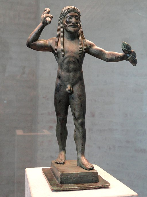 Zeus s bleskometem, asi konec 6. století před n. l. Glyptothek München 4339. Kredit: Daderot, Wikimedia Commons.