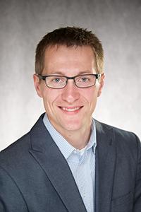 Matthew J. Potthoff, vedoucí amerického kolektivu, je neurologem na University of Iowa Carver College of Medicine. Kredit: University of Iowa Health Care.