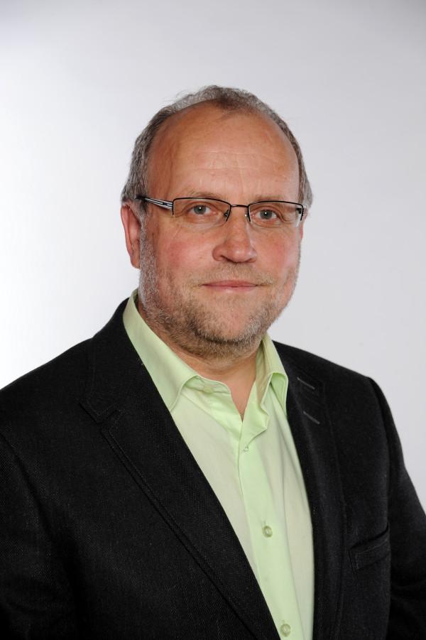 Edvard Sequens, Ing., absolvent Vysoké vojenské technické školy vLiptovském Mikuláši, člen SZ, předseda Calla.Kredit: SZ.