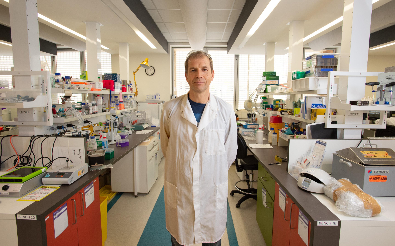 Kirill Alexandrov z australské federální vládní agentury vědeckého výzkumu CSIRO - vedoucí mezinárodního kolektivu. Kredit: QUT