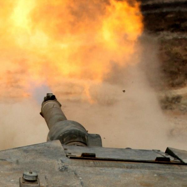 Výstřel ztanku M1A1 Abrams. Kredit: U. S. Marine Corps.